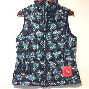 NWT The North Face Blue Floral Down Vest Size M